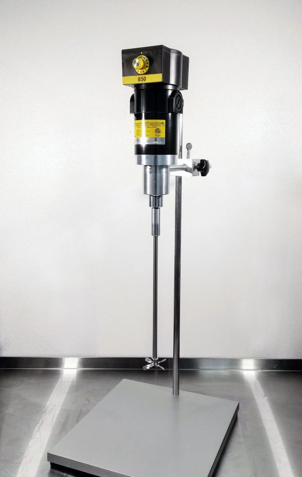 Heavy-Duty Lab Stand + Super Clamp™